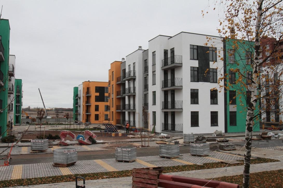Тенденции. Малоэтажный пригород и доступные по цене миниатюрные смарт-квартиры.