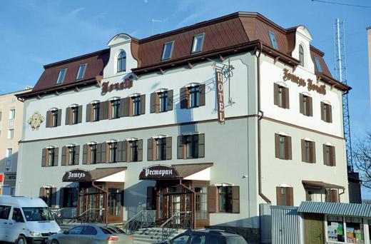 Гостиница Premier Hotel Pochaiv по ул. Воссоединения, 3 в Почаеве (Тернопольская область)
